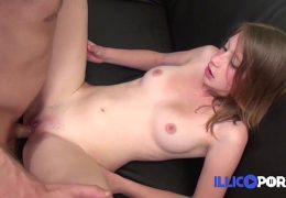Lola, à peine 18ans – Fraiche french girl FRENCH – Illico porno
